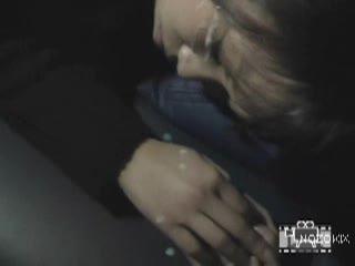 寝カフェの個室で寝てる女の子の顔にザーメンぶっかけ悪戯撮影!!